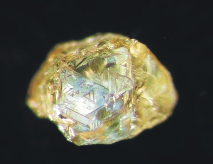 raw%20diamond%20with%20trigons Raw Diamonds Pictures